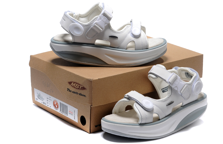 MBT KISUMU WHITE LOVERS SANDAL
